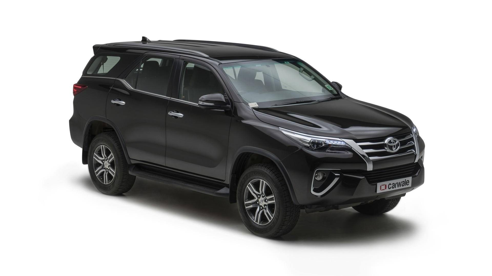 Toyota-Fortuner-Exterior-118798